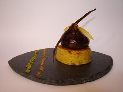 Figue rôtie à la vanille Bourbon, sur un pain perdu de cake aux fruits secs et épices - Photo par Sandrine Baumann