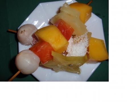 Brochettes de fruits exotiques - Photo par marielaurent