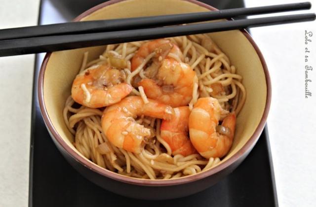 Nouilles chinoises sautées aux crevettes et gingembre - Photo par LoloTambouille