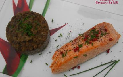 Saumon à l'unilatéral et lentilles vertes du Puy - Photo par Yvelise