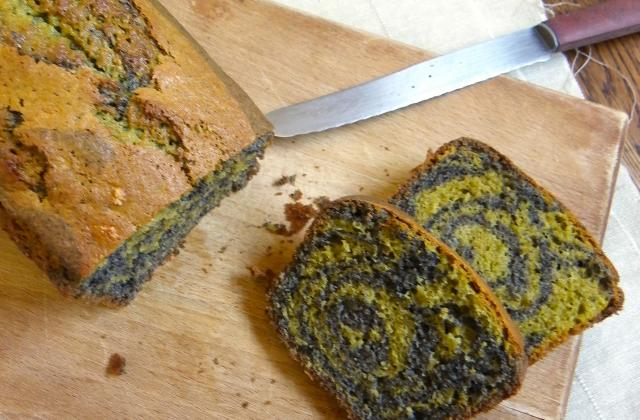 Cake marbré au thé matcha et sésame noir - Photo par Rosenoisettes