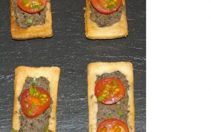 Tartelettes à la tapenade et aux tomates cerises - Photo par romainE8