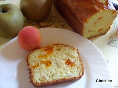 Cake aux petits-suisses, pommes-abricots - Photo par christitine