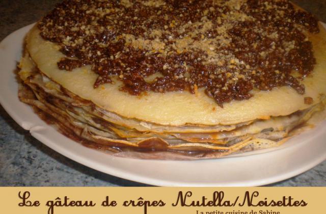 Gâteau de crêpes au nutella et noisettes - Photo par La petite cuisine de Sabine