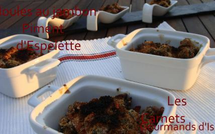 Moules au jambon et piment en mini cassolettes - Photo par maclarelisa