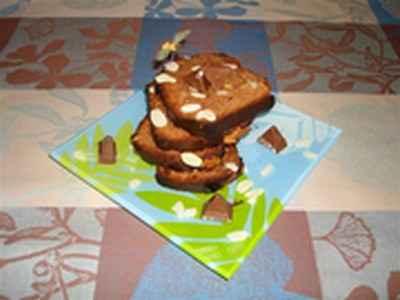 Cake au Toblerone, miel et amandes - Photo par 750g