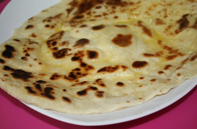 Naans au Fromage classiques - Photo par Bollywood Kitchen