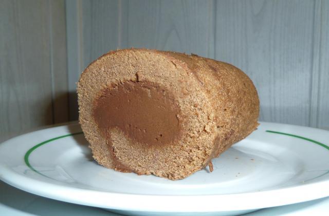 Gâteau roulé tout chocolat rapide - Photo par blandinde