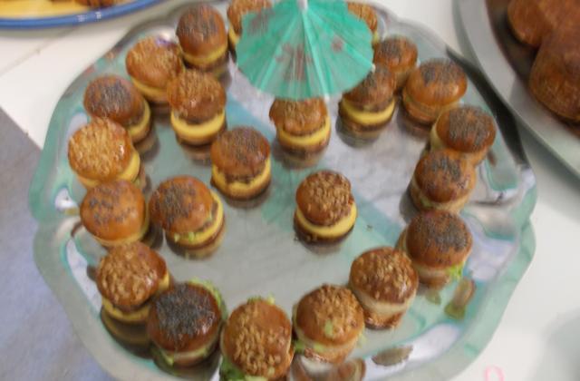 Mini burgers apéritif au foie gras et au saucisson - Photo par cuistodu80
