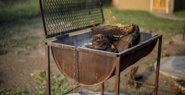 Brico débrouilles BBQ : Comment faire un barbecue, sans barbecue ? - Photo par Marie-Rose Dominguès