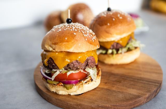 10 burgers à tester pour la journée internationale du hamburger - Photo par 750g Le Guide