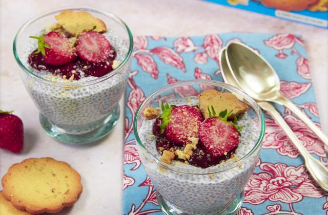Porridge graines de chia aux fraises - Photo par Isabelle Kanako