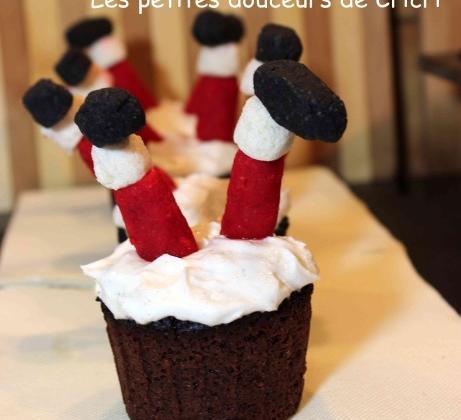 Cupcake du père Noël... enfin ce qu'il en reste - Photo par Cricri les petites douceurs