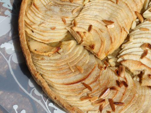 Tarte aux pommes à la compote de rhubarbe - Photo par martinPm