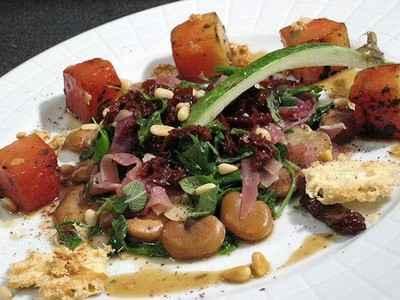 Salade tiède et croquante de fèves et de pastèque au sumac - Photo par gwenSC