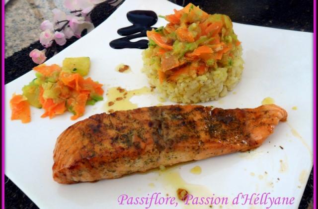 Pavé de saumon caramélisé et ses tagliatelles de courgette carotte - Photo par hellya