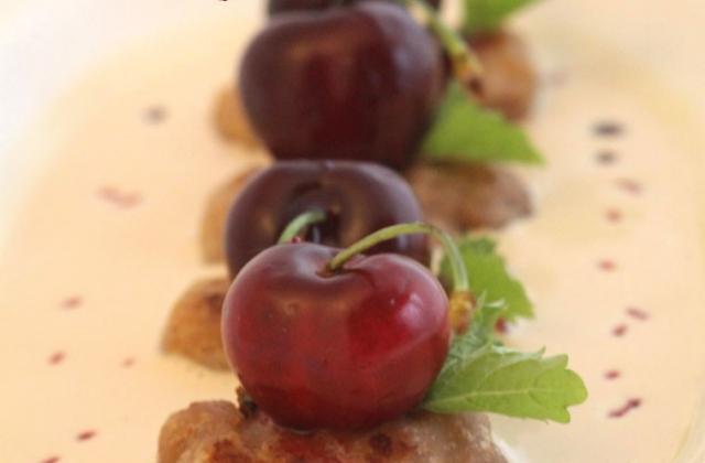 Gnocchis de cerise à la mélisse -  Soupe de Foie gras - Photo par uncuis