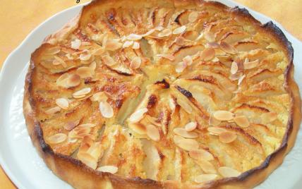 Tarte aux pommes normande et sa crème aux amandes - Photo par magcui
