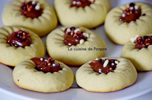 Biscuit au presse agrume à la crème de pistache et à la confiture de lait - Photo par Ponpon
