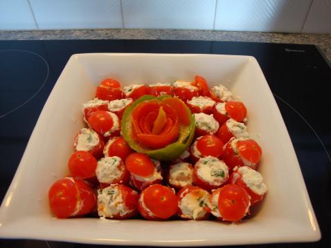 Tomates cerises farcies à la ciboulette et à l'échalote - Photo par lachap
