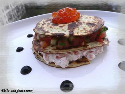 Millefeuille de crêpes à la ricotta, saumon frais & petits légumes - Photo par opheli3