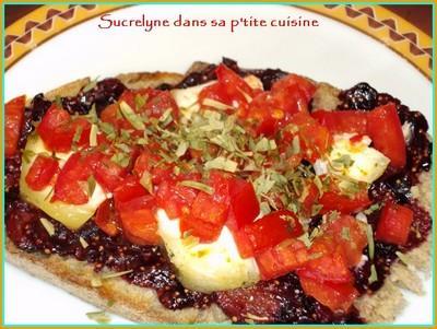 Tartine sucrée-salée figue-chèvre-tomate - Photo par lauriaGY