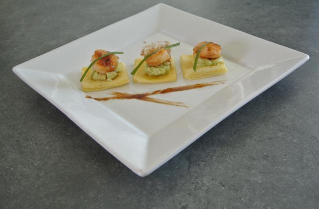 Feuilleté au guacamole et crevettes caramélisées - Photo par p 47