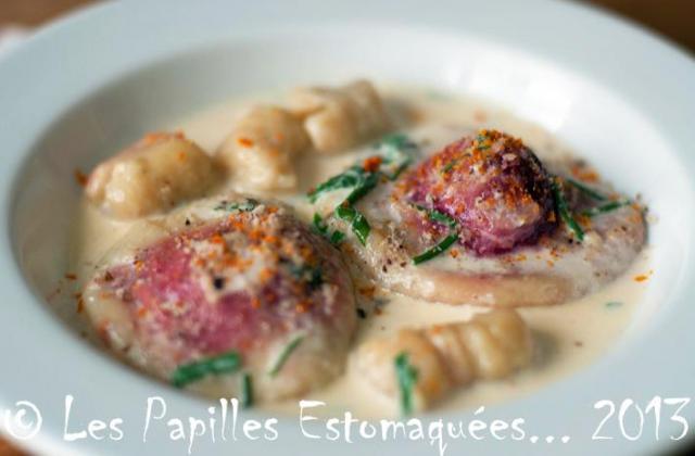 Raviolis de pommes de terre, farcis au chèvre, betterave et roquette - Photo par TitAnick