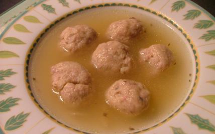 Soupe aux boulettes de pommes de terre - Photo par vekasm