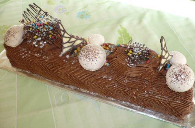 Bûche ganache chocolat noir - Photo par rousac