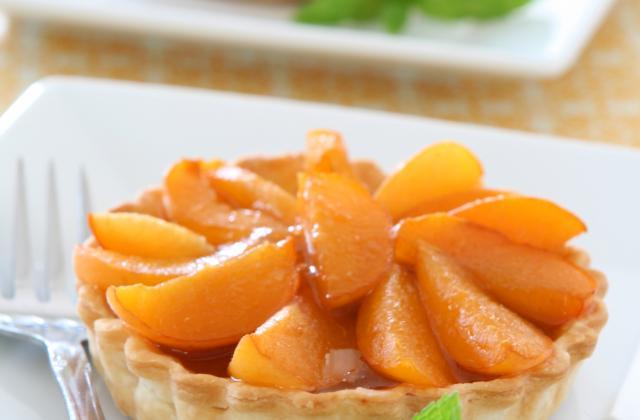 Tarte à l'abricot, poudre d'amande et sucre candy - Photo par Charlotte - 750g