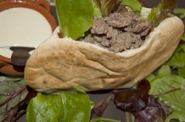 Pita, bœuf et raifort - Photo par malikele
