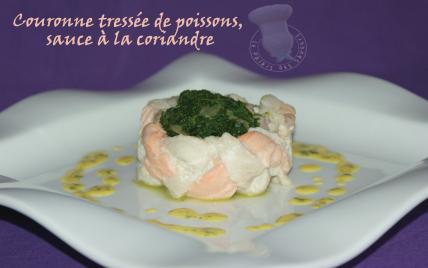 Couronne tressée de poissons aux épinards, sauce à la coriandre - Photo par vgonza