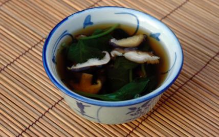 Soupe aux shiitakes et aux épinards - Photo par pascal3fh