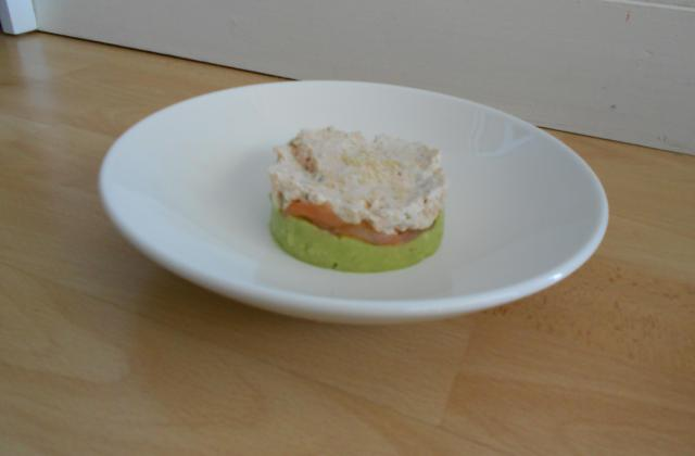 Guacamole-saumon fumé-et crème de boursin - Photo par Mcl86