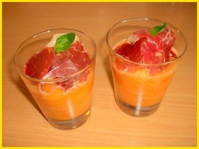 Soupe originale de melon au basilic et jambon sec - Photo par Titeratatouille