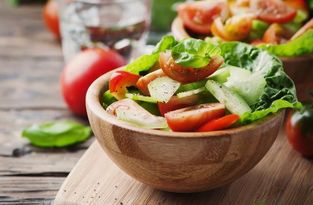5 trucs sympa à ajouter dans votre salade de tomates - Photo par 750g