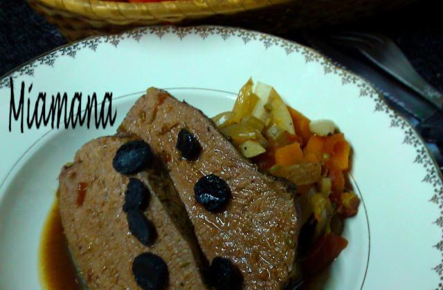 Bœuf façon rôti à basse température, jus de bœuf à la truffe - Photo par Miamana