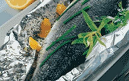 Bar aux herbes en papillote - Photo par CIPA