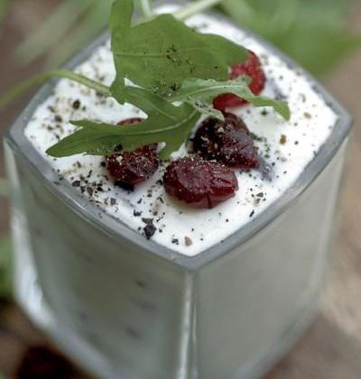 Verrines de faisselle aux cranberries - Photo par CNIEL - Les produits laitiers