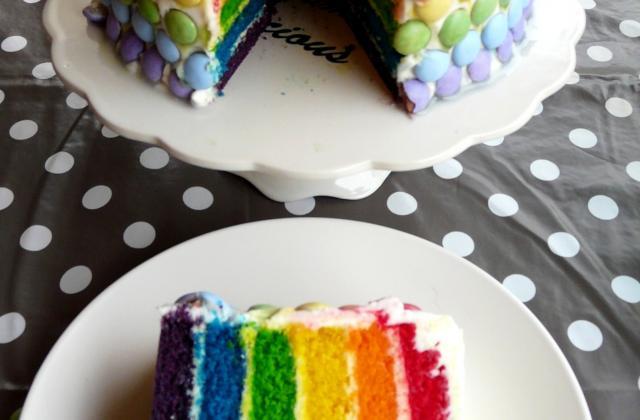 Rainbow Cake glaçage au beurre - Photo par Marion's Bakery