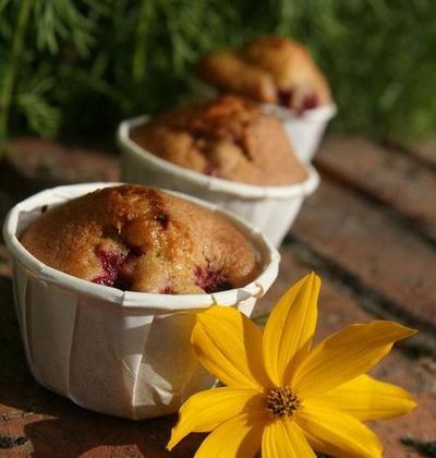 Muffins aux framboises du jardin, parfum de pandan - Photo par nanie4i