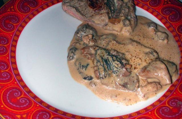 Côte de veau à la creme de morilles - Photo par annjud