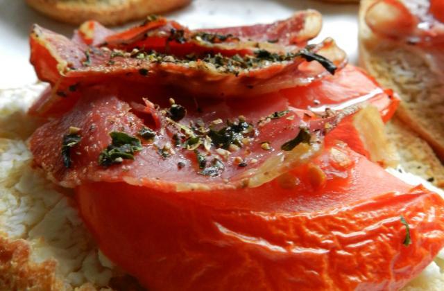 Tartines chèvre pancetta tomate - Photo par Babeth De Lille