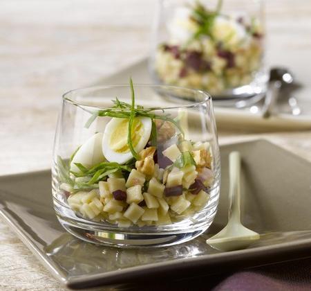 Salade de crozets avec dés de betterave crue et pousses d'épinard - Photo par Alpina Savoie