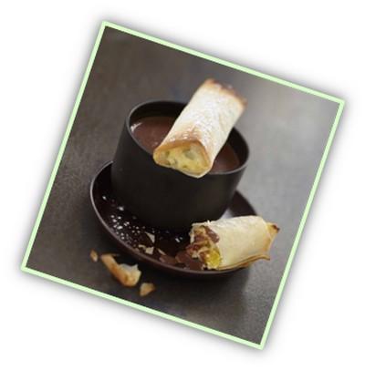 Nems à la mangue, au Carré Frais et sauce chocolat - Photo par Carré Frais