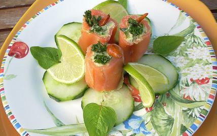 Assiette de saumon farci, truite et avocat maison - Photo par La soupe à la citrouille