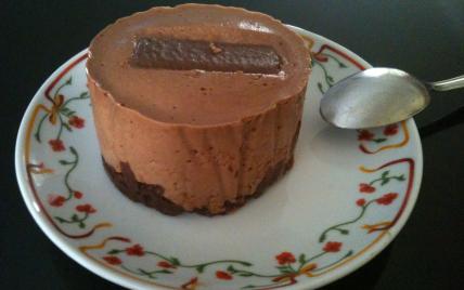 Mousse au chocolat sur croquant au chocolat praliné - Photo par passionnementcuisine