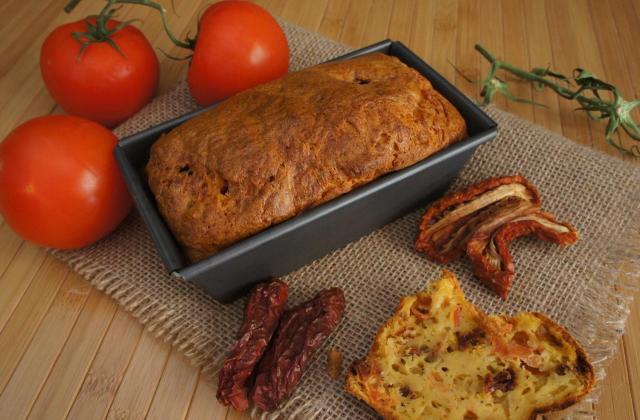 Cake moelleux aux 2 tomates - Photo par le book gourmand