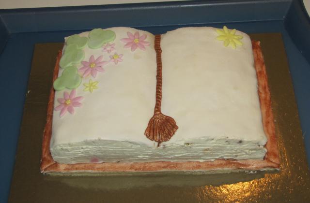 Gâteau-livre aux fruits rouges et mousse au chocolat - Photo par Evacuisine